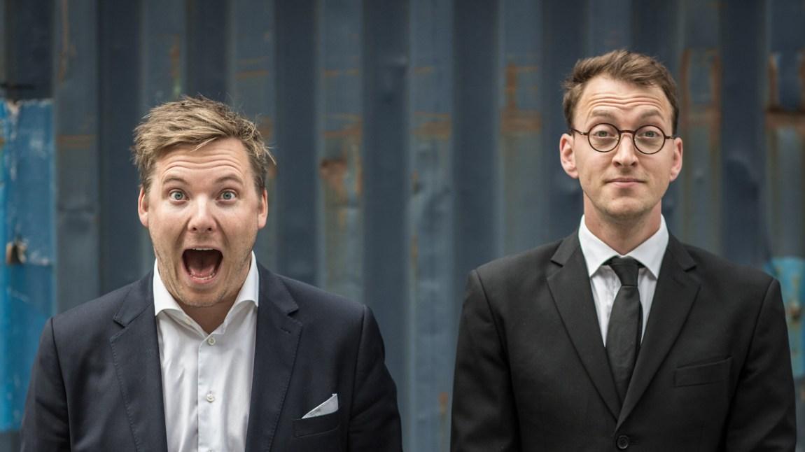 Niklas Baarli og Mathias Nylenna har ledet Verdens Rikeste Land sammen siden 2012. Nå gir Mathias seg. Foto: Erlend Lånke Solbu/NRK P3