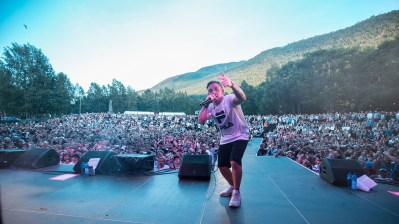 Rapparen Primadanna under Slottsfjell-festivalen 2017. Foto: Rainer Nokken Kleive