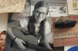 Dagny lærte seg å spele gitar i ungdomsåra. (FOTO: PRIVAT)