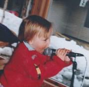 Mikrofonen vart tidleg teke i bruk av Dagny. (FOTO: PRIVAT)