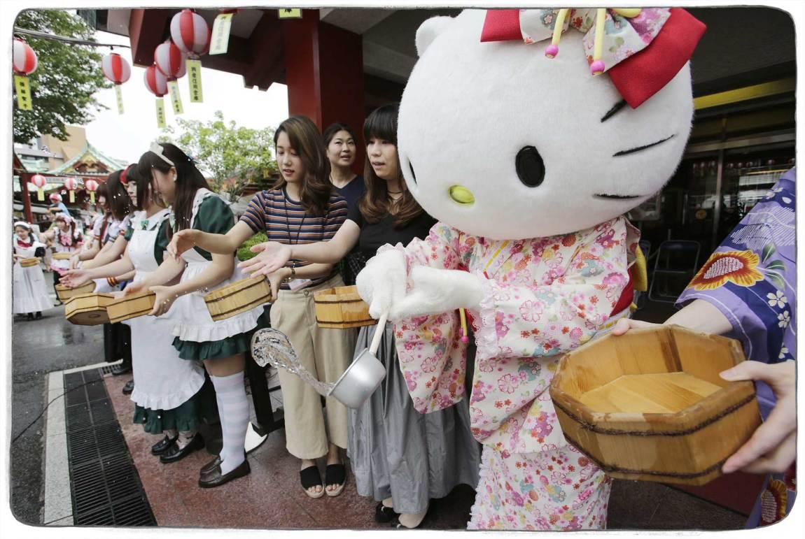 MJAU: Jeg er glad Hello Kitty ikke er på Tinder. Tenk hvor mange upassende meldinger hun ville ha mottatt. Foto: Shizuo Kambayashi, AP PHOTO