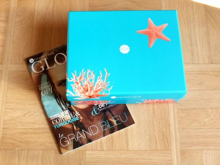 glossybox-juillet-2013-jeanne-en-provence-shampoing-sec-batiste-vernis-opi-gloss-lollipops-beauty-bird-active-foot-gel- (1)