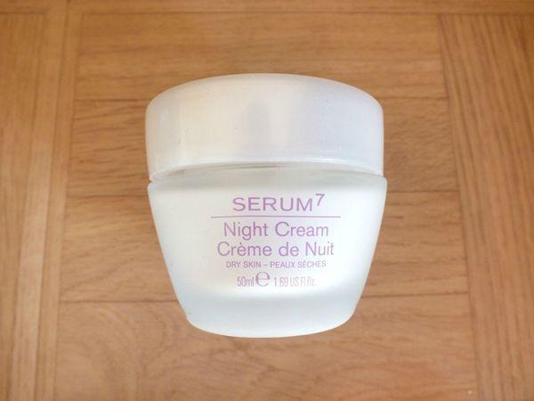 glossy-box-avril-2013-feminity-booster-kryolan-serum7-mythicoil (5)