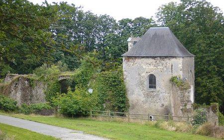 Ancien_logis_du_chateau_de_Joachim_du_Bellay