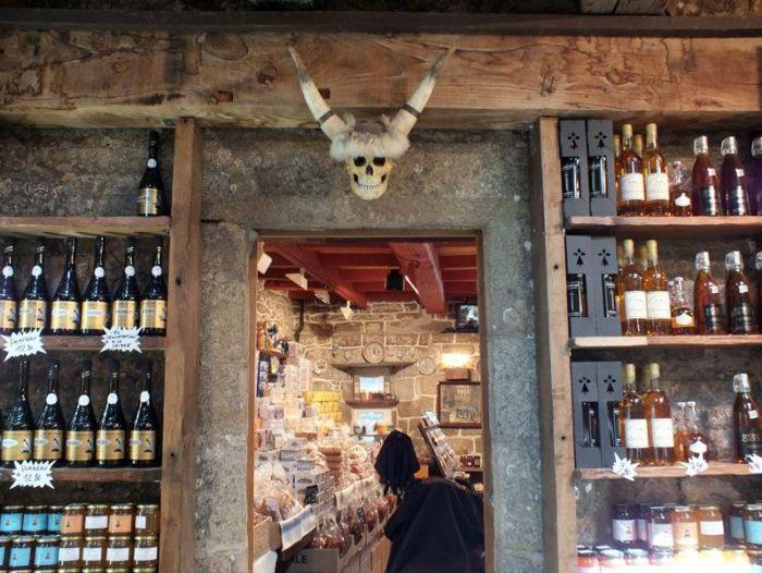 locronan-bretagne-finistere-touristique-boutiques-specialité-bretonnes-authentique-village-de-caractere-chocolatier-hortensias-chouans-monuments-historiques (27)