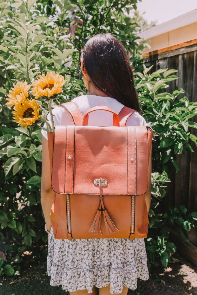 Want to win a free Estarer women's laptop backpack? Read this post to learn how! Estarer backpacks are super cute, versatile, and affordable. They're perfect for school, work, going out, and travel. Click to check out pictures of the bag!