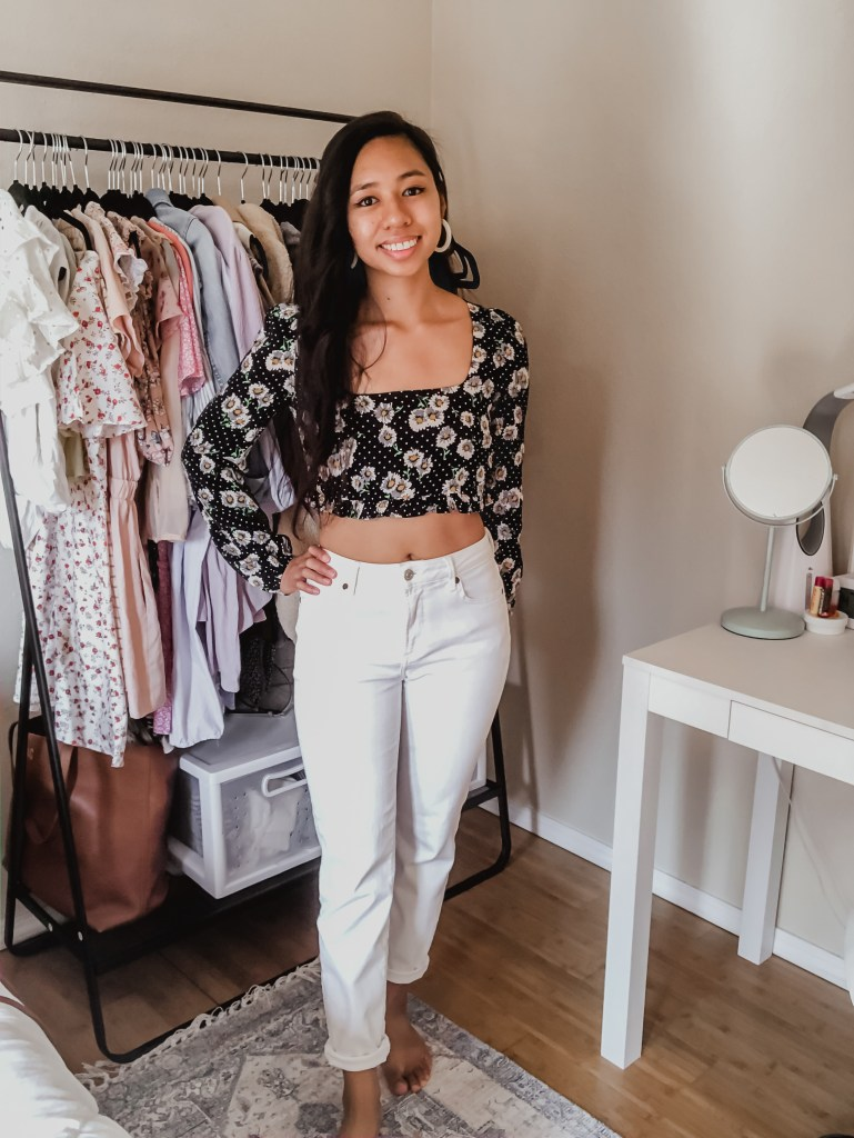 Are you looking for cute black and white outfit ideas? In this post, I'm giving you 5 affordable black and white outfit ideas that you can easily copy! I've also linked some affordable products that you can shop through. Click to get some black and white style inspiration!