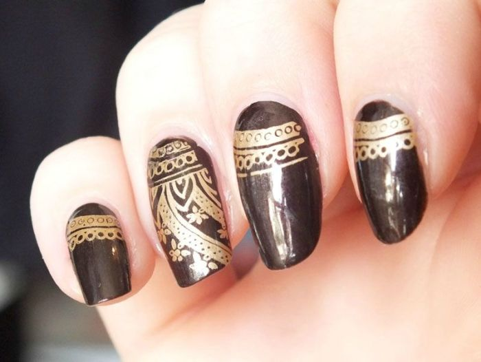 kiko-nail-polish-lacquer-marron-hot-chocolate-dark-heroine-test-swatch-nail-art-cheeky-jumbo-kiko-mirror-golden-stamping (5)