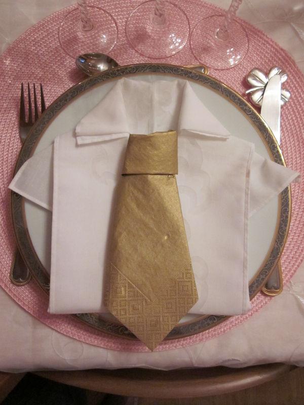 La Chemise Et Sa Cravate Version Emplacement Homme Photo De Pliage De Serviettes Recettes Et Decoration