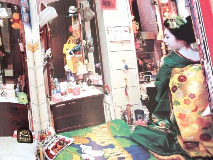 journal-de-geisha-komomo-livre-aubanel-temoignage-geiko-maiko-maqullage-kimono (3)