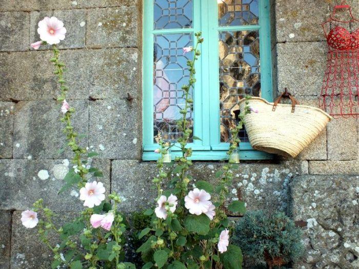 locronan-bretagne-finistere-touristique-boutiques-specialité-bretonnes-authentique-village-de-caractere-chocolatier-hortensias-chouans-monuments-historiques (14)