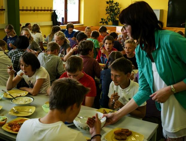 was kinder essen und was sie essen sollten