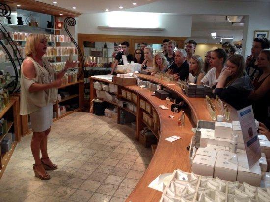 Eine sehr informative Führung in der Parfüm-Fabrik Gallimard in Grasse 2