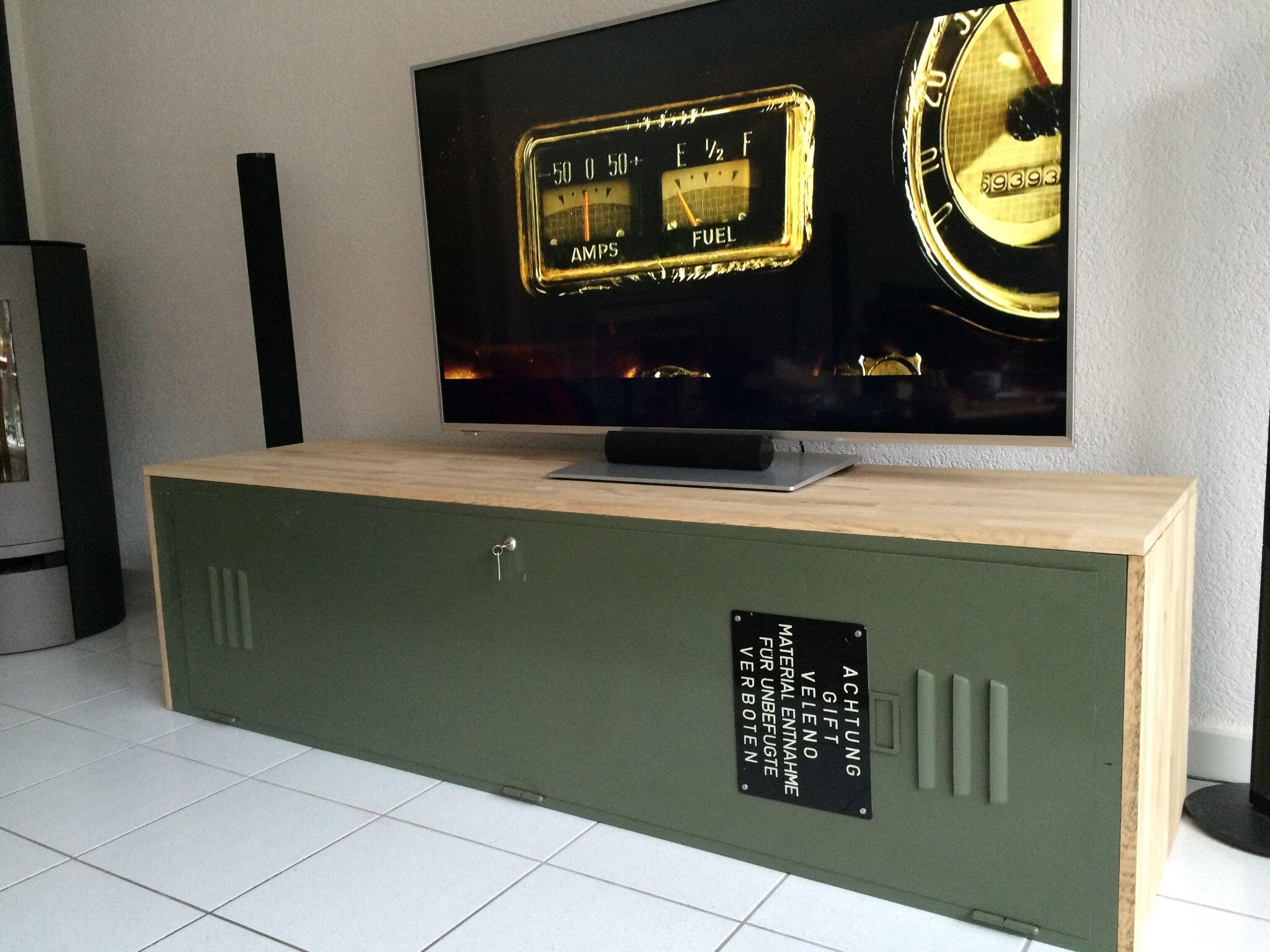 armoire metallique en meuble tv