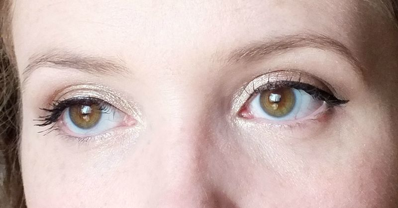 long-lasting-lustrous-eyeshadow-elf-eyeslipsface-toast-swatch-test-revue-tenue-maquillage-makeup-gamme-studio-yeux (8)