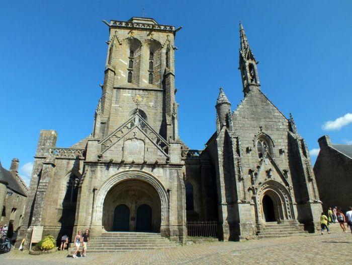 locronan-bretagne-finistere-touristique-boutiques-specialité-bretonnes-authentique-village-de-caractere-chocolatier-hortensias-chouans-monuments-historiques (8)