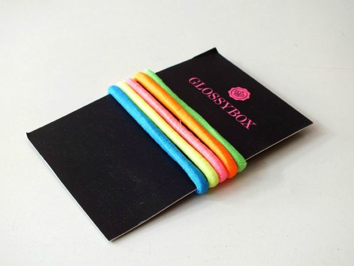glossybox-juillet-2013-jeanne-en-provence-shampoing-sec-batiste-vernis-opi-gloss-lollipops-beauty-bird-active-foot-gel- (9)