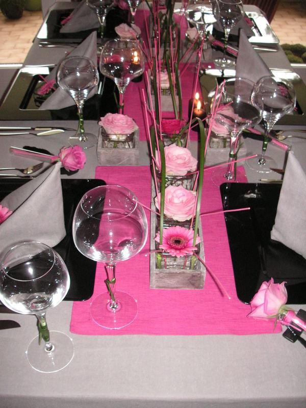Table Rose Et Noir A Table Ct Dco