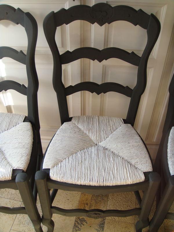 peindre chaise en bois et paille
