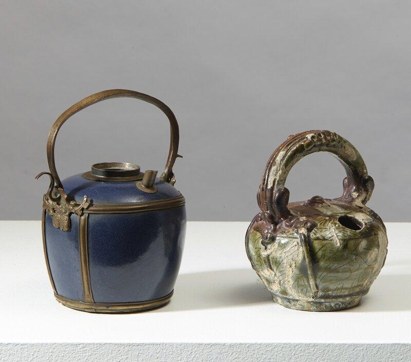 Un pot à chaux et une pipe à eau, Vietnam, dynastie des Lê, 17°siècle et Chine du Sud pour le Vietnam, Qing, 18°siècle
