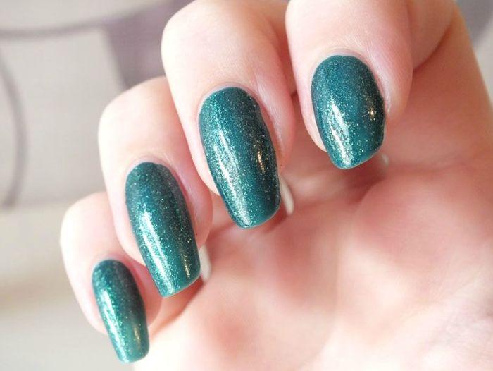 vernis-nail-polish-kiko-sun-pearl-river-green-paillete-lagon-paillettes-dorees-application-test-revue-swatch (4)