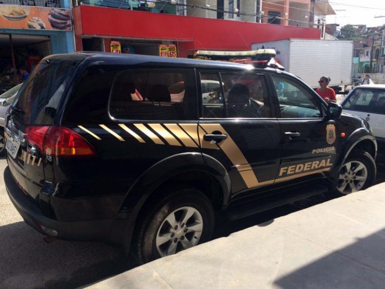 Quinze policiais cumprem seis mandados de busca e apreensão na cidade