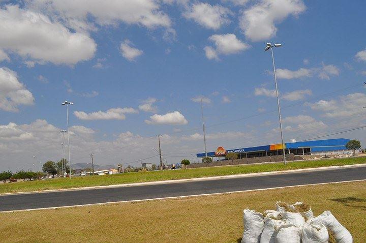O Assaí Paulo Afonso possui mais de 12 mil m² de área construída, sendo 5 mil m² de área de vendas, 28 caixas, e 324 vagas de estacionamento (Foto: Kaká/PA4.COM.BR)