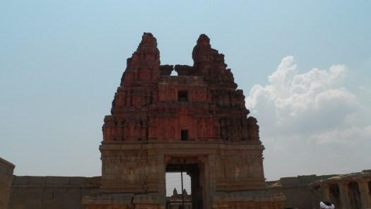 The gopuram of Vijaya Vitthala Mandira, Hampi