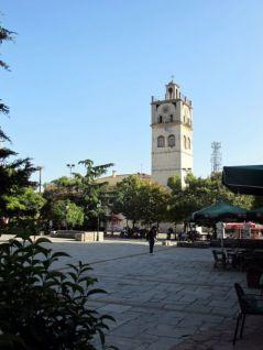 der Uhrturm in Rozani