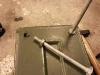 Bræddebolte i 8 mm galvaniseret anvendes som ben.