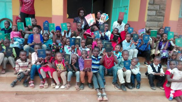 children-with-bibles
