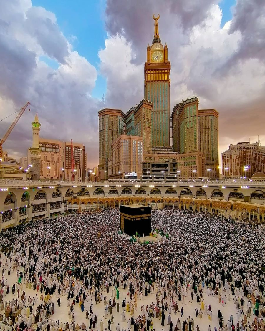 Salah satu Fungsi-Masjid-sebagai-pusat-kemasyarakatan