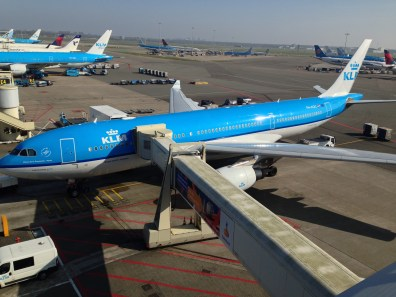 The viewing terrace at Schiphol Airport - to say I was like a pig in shit would be an understatement!