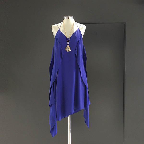 vestido seda azul klein
