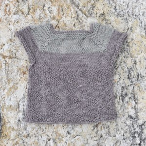 Zigzag baby sweater front