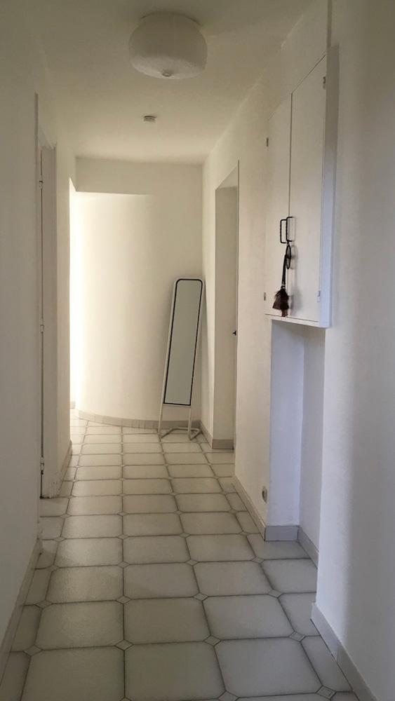 couloir logement étudiant externe à l'écurie médecine PACES+ nice