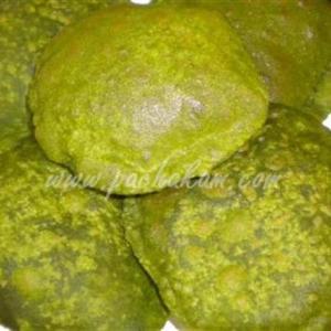 Palak (Spinach) & Wheat Flour Poori