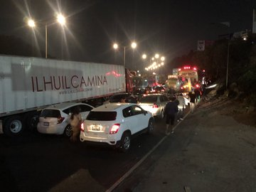 Bloquean transportistas la México-Pachuca en entrada a CDMX