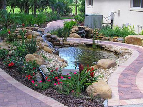 Backyard Pond Decorations