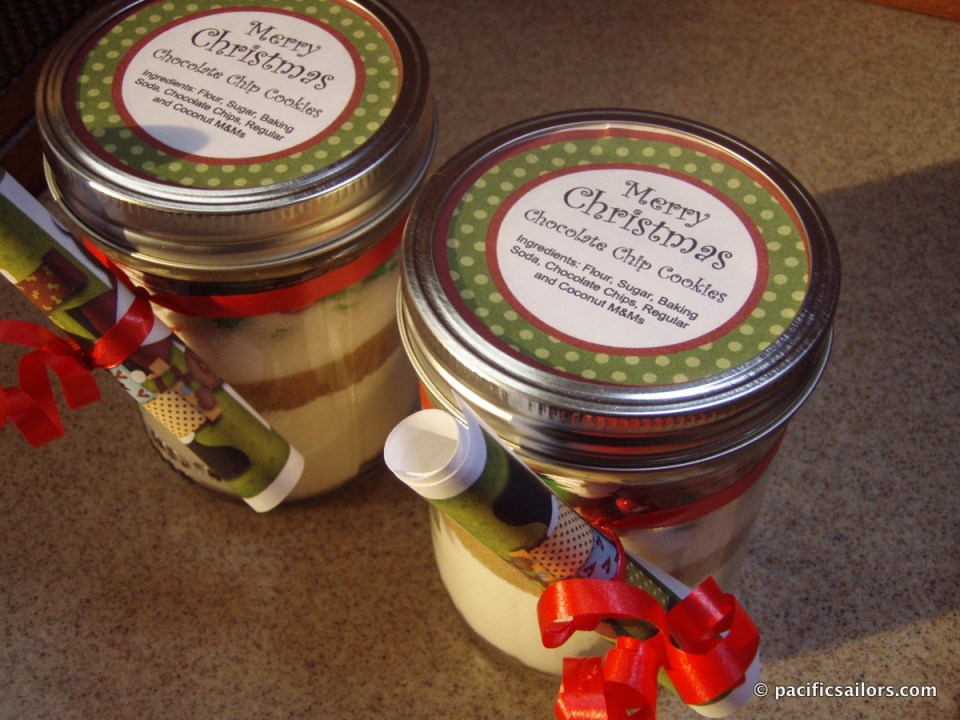 Holiday cookies in a pint jar