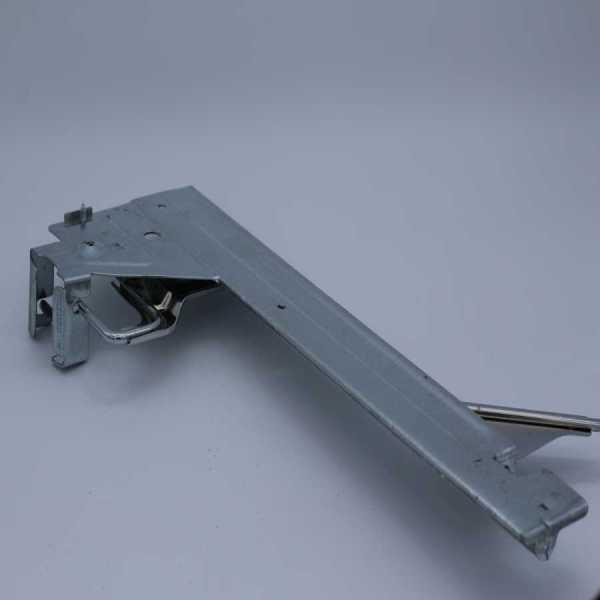 190034047 - door locking device