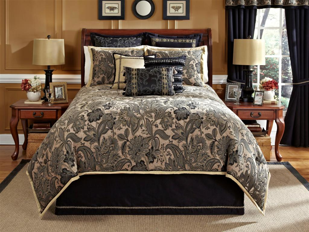 Alamosa-4-PC Queen Comforter Set (Black-Tan