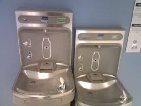 Modern drinking fountains chill and filter water, and let users fill water bottles (Photo: Peter Gleick 2011)