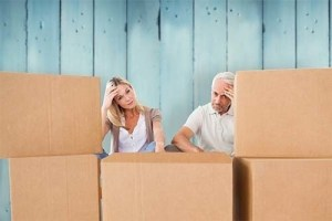 Should I Move Myself or Use a Professional Mover?