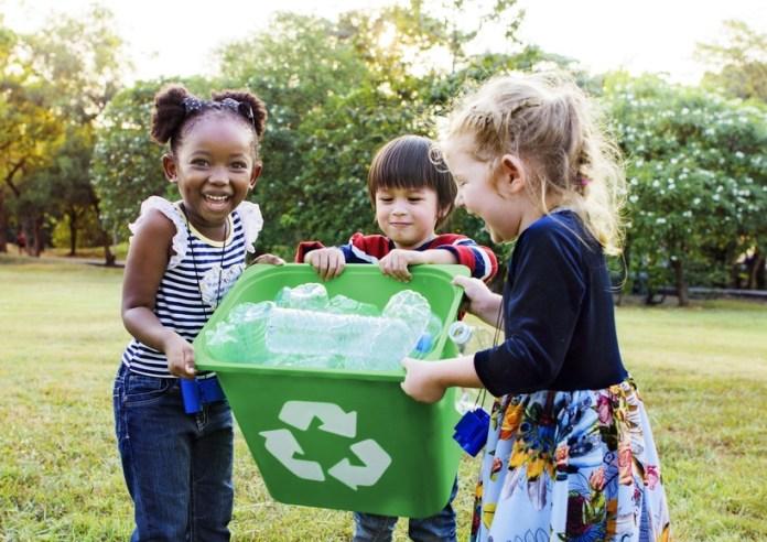 Does-Recycling-Make-a-Difference-PackagingGURUji