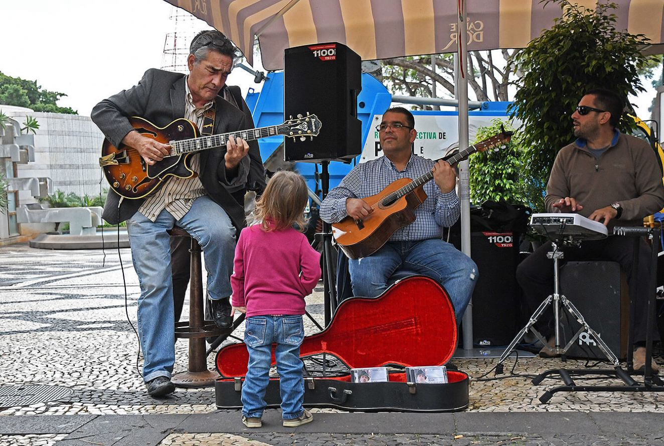 Musicians in Funchal City entertaining the kids and the public. Madeira - Portugal