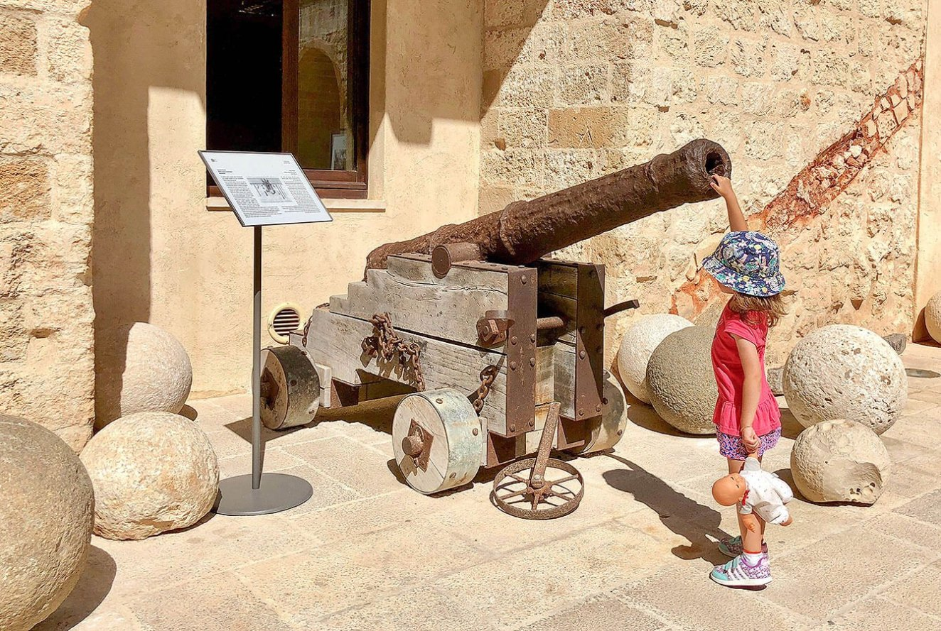 Original Cannon and its munition