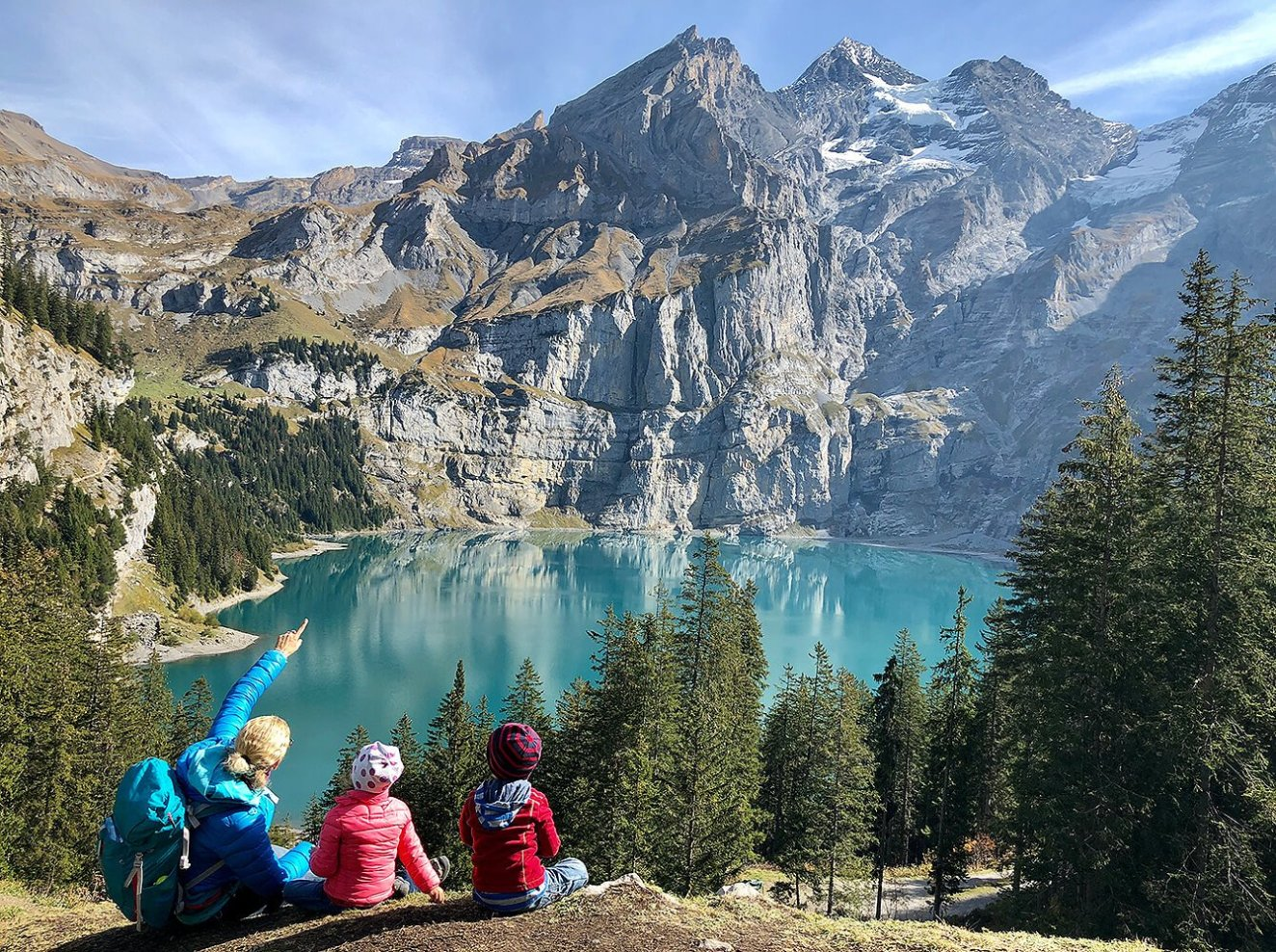 Stunning view from the Oeschinensee in