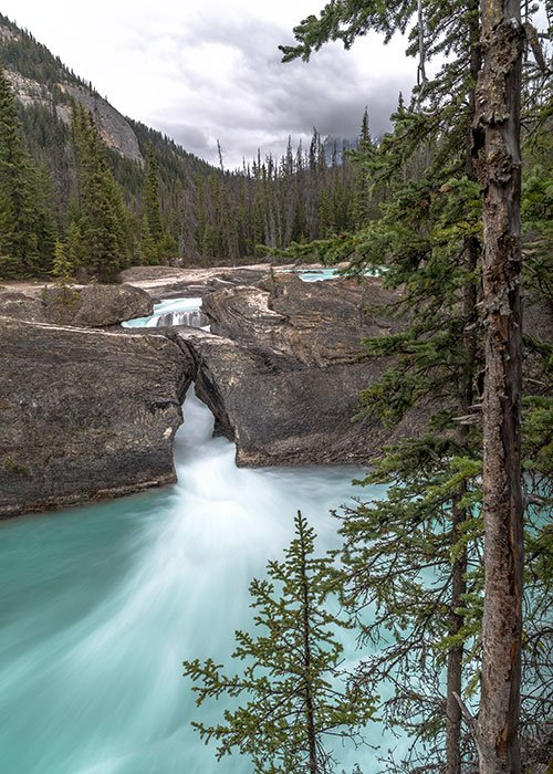 natural stone bridge photography spot yoho NP