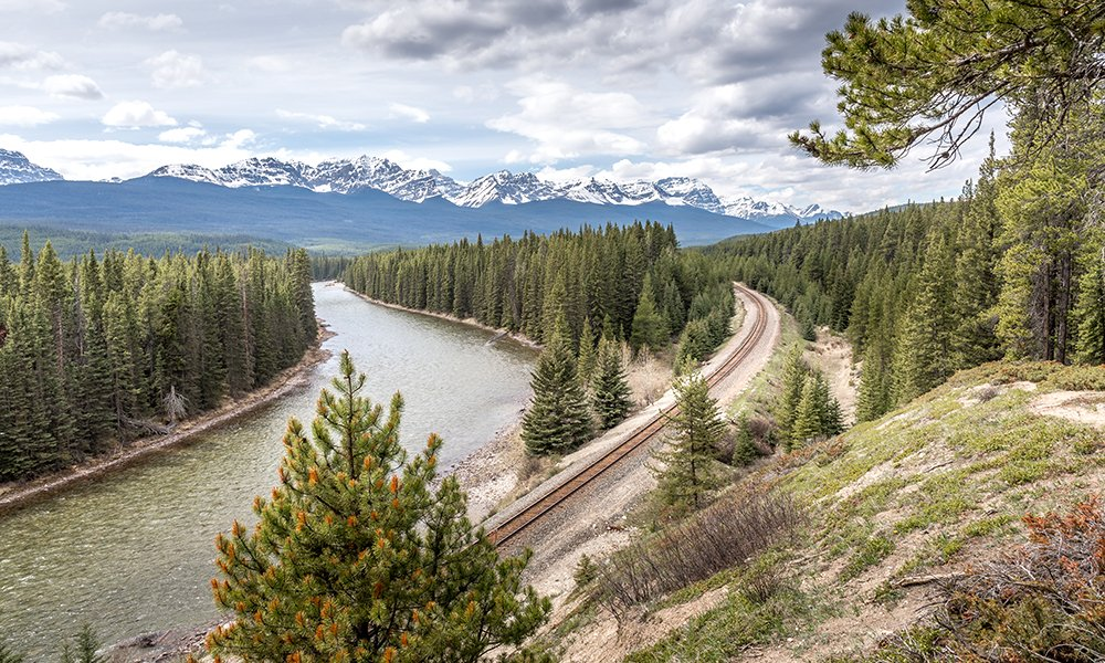 Morant's Curve photography spot in Canada